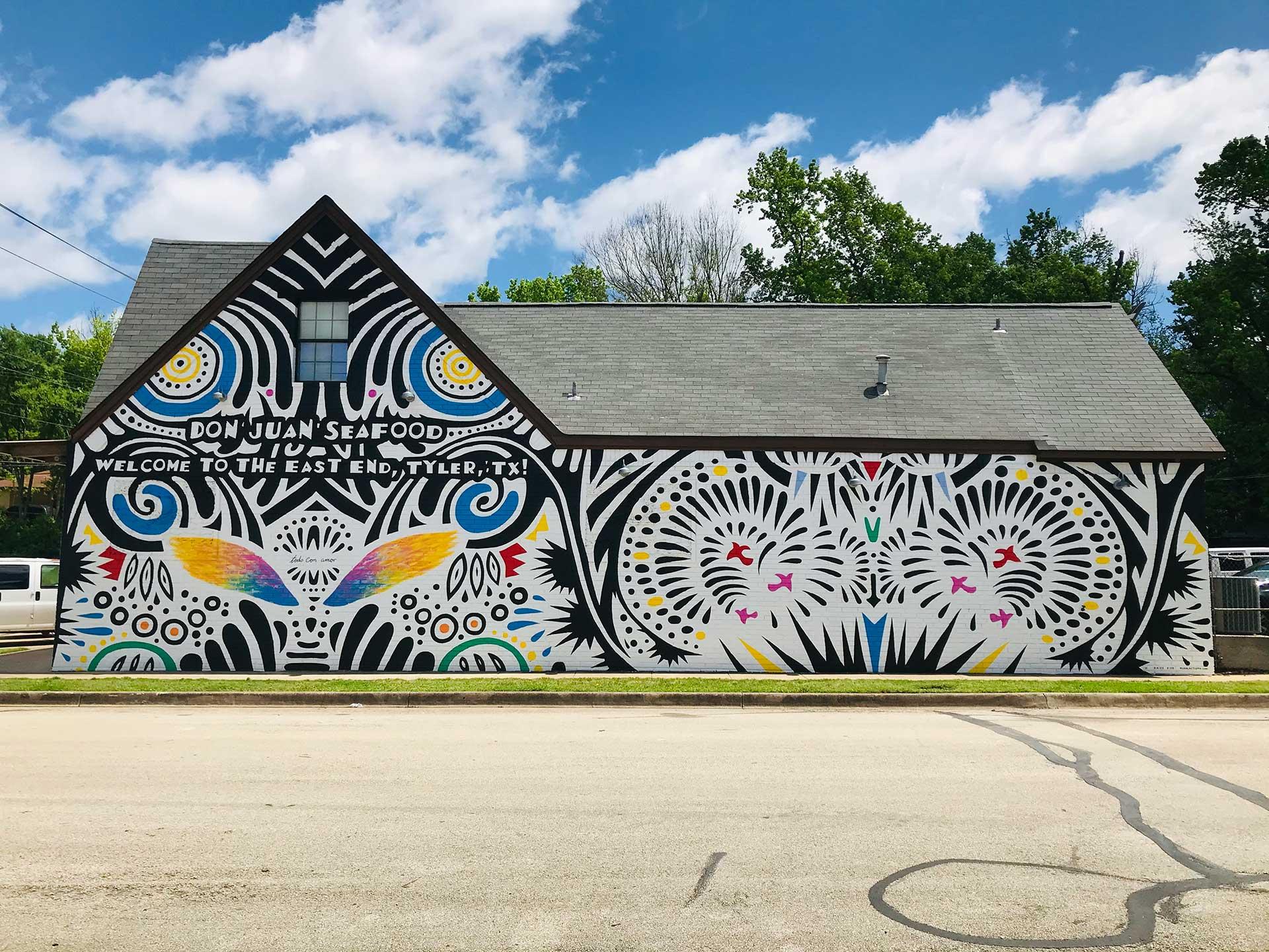 todo con amor mural - wings mural - mariscos mural - abstract mural - large scale mural - Dace Kidd - Mural Artist Tx